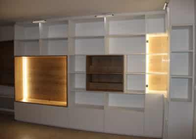 Aménagement sur mesure d'une bibliothèque dans un appartement palois