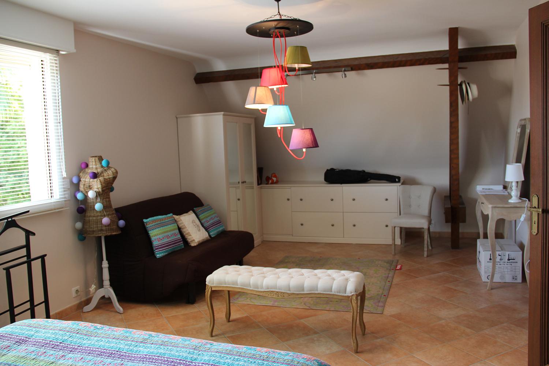 forfait cl en main pour cette b tisse des ann es 90 d 39 co pau. Black Bedroom Furniture Sets. Home Design Ideas