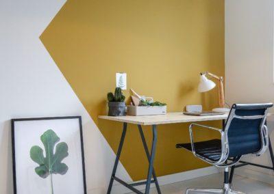 creer-un-espace-bureau-avec-un-coup-de-peinture-et-un-motif-graphique_deco--pau